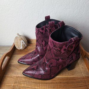 NWT Steve Madden Ankle Boots Purple Faux Snake